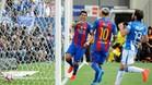 Luis Suárez celebra su gol con Messi