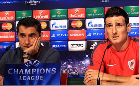 Aduriz, junto a Valverde, en rueda de prensa