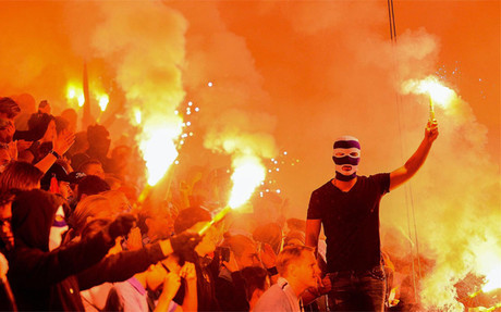 Aficionados del M�lmo celebran la victoria de su equipo