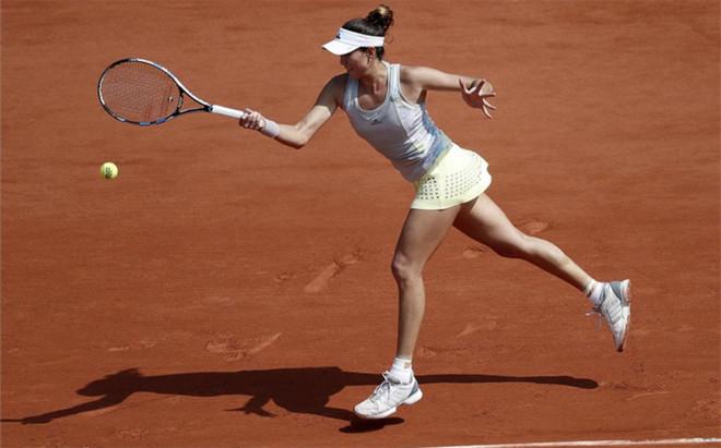 Garbi�e Muguruza super� con autoridad a Svetlana Kuznetsova en octavos de final