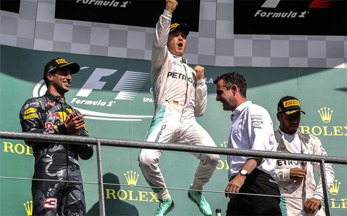 Rosberg no falla en el d�a de la remontada de Hamilton
