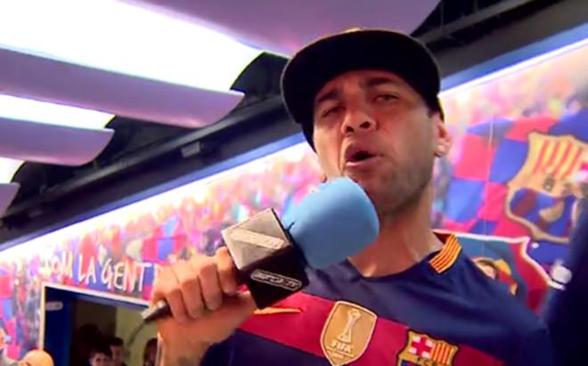 """La última locura de Dani Alves con el Barça: """"Mua, un beso para todos"""""""