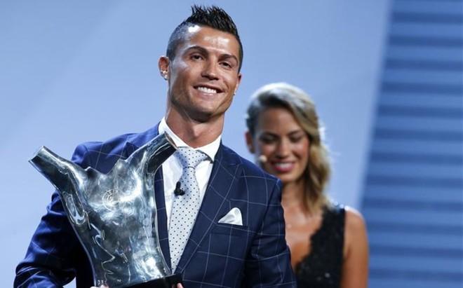 Cristiano, con el premio de la UEFA