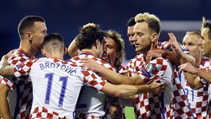 Croacia goleó a Grecia y está a un paso de su quinto Mundial