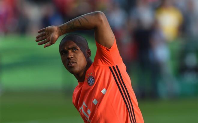 Douglas Costa no estar�a en condiciones de reaparecer hasta 2017