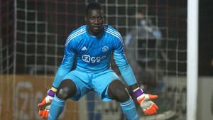 Onana se está saliendo en el Ajax