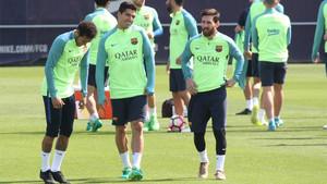 Neymar, Luis Suárez y Messi en el entrenamiento previo al FC Barcelona - Osasuna de la Liga 2016/17