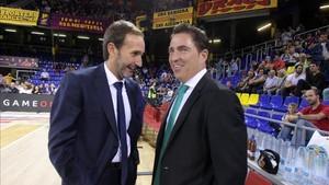 Sito Alonso (izquierda) conversando con Xavi Pascual (derecha)