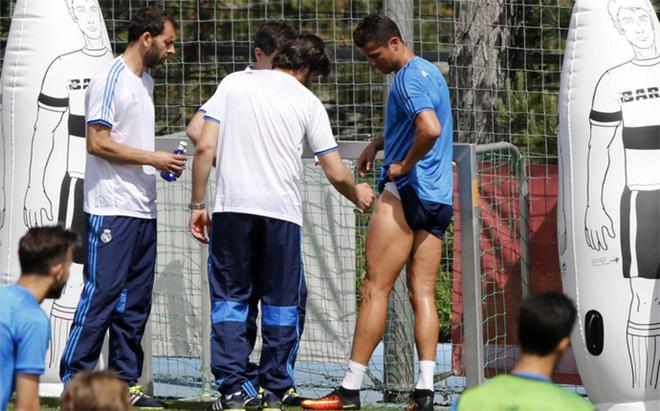 Cristiano Ronaldo acab� tocado