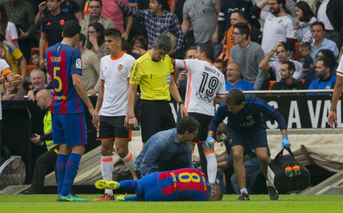 Messi explica a SPORT c�mo vivi� la lesi�n de Iniesta