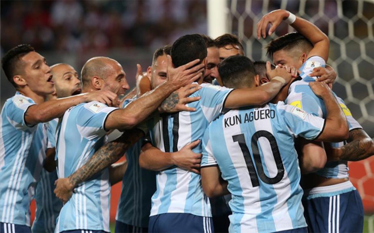 La receta de Bauza para que Messi brille más con Argentina