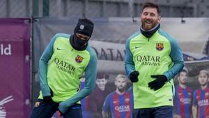 Neymar y su gesto, protagonistas en el entrenamiento