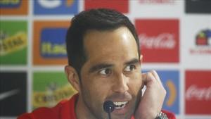 Claudio Bravo, optimista con Chile