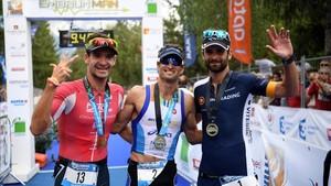 Marcel Zamora, en el centro, se despidió como quería: ganando el Embrunman