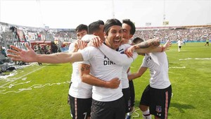 Colo Colo lidera la tabla chilena