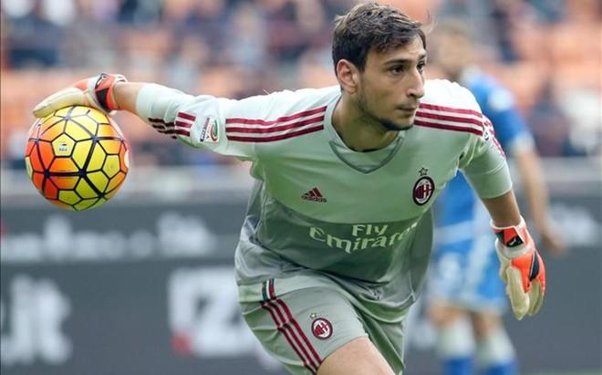 Donnarumma, de 17 a�os, fue convocado para la selecci�n absoluta italiana