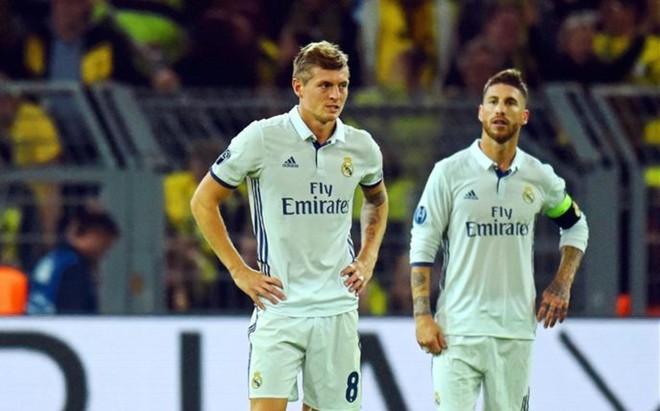 Kroos y Sergio Ramos apuntan al banquillo