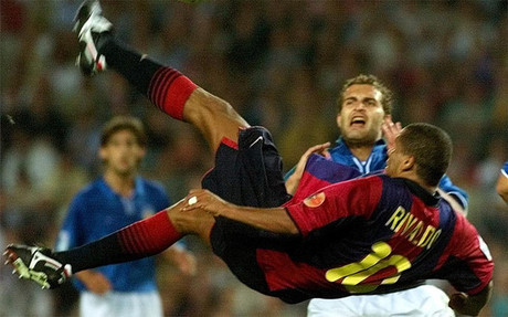 Rivaldo se elev para batir a Caizares