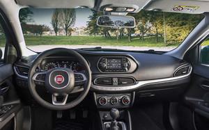 Fiat propone dos niveles de acabado: Easy y Lounge