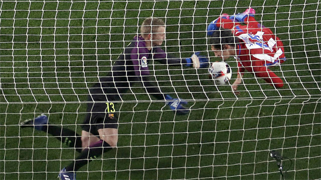 Video resumen: El paradón de Cillessen en el FC Barcelona - Atlético (1-1). Copa del Rey 16-17