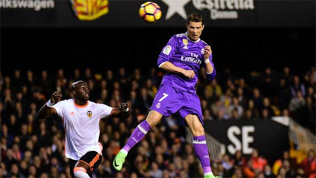 Video resumen: El gol de Cristiano en el Valencia - Real Madrid (2-1). J16 Liga Santander