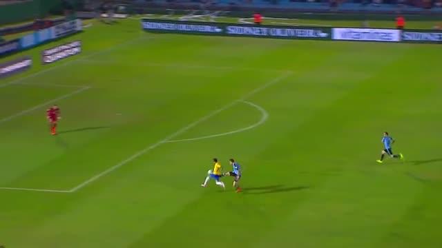 Así fue el golazo de Neymar ante Uruguay