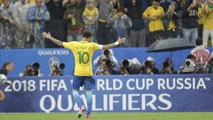 Neymar fue el líder incontestable de un Brasil que ya tiene billete para Rusia-2018
