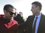 Alves habló de su relación con la directiva que encabeza Bartomeu