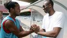 Bryant, con Ronaldinho en el Mini del FC Barcelona