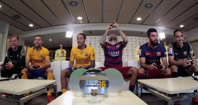 Los futbolistas del FC Barcelona, jugando al FIFA16