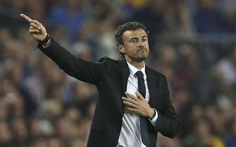 Luis Enrique, en un tramo del partido ante el Ajax