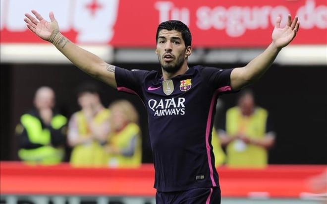 Luis Su�rez, durante el partido de Gij�n