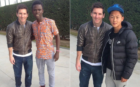 Messi, posando junto a Patrice Soussia y Seung Woo Lee