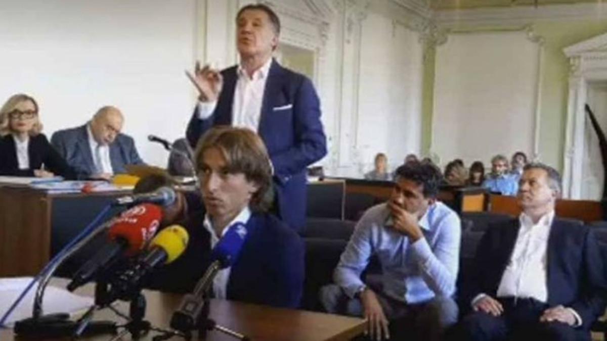 Luka modric investigado por la oficina fiscal del estado for Oficinas movistar valencia