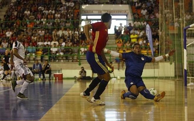 Adolfo super� con habilidad al meta egipcio para establecer el 2-1
