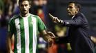 Gustavo Poyet conf�a en la reacci�n del Betis tras su triunfo ante Osasuna en El Sadar