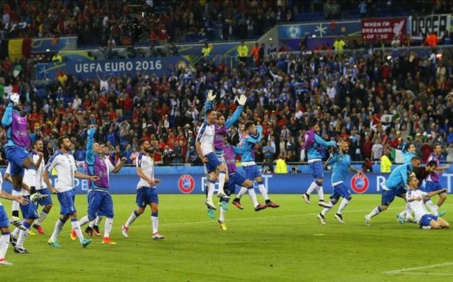 Italia fue primera de grupo pese a las bajas