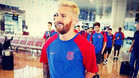 Leo Messi y el Bar�a ya viajan rumbo a Inglaterra