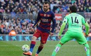 Aleix Vidal completó una actuación notable y se afianza en el lateral derecho