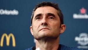 Valverde ya sabe que será casi imposible tener la plantilla cerrada antes del 7 de agosto