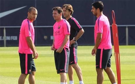 Luis Su�rez siempre est� pr�ximo a Messi, Mascherano y Andr�s Iniesta