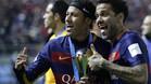 Neymar y Alves, en una imagen de archivo tras ganar el Mundial de Clubes