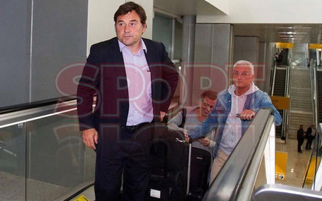 Ra�l Sanllehy arriving in Brazil on Monday