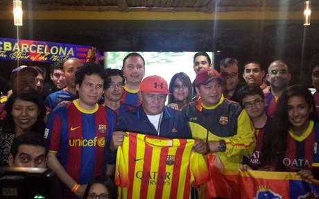Sotil, socio honorario de la Pe�a Blaugrana en Lima