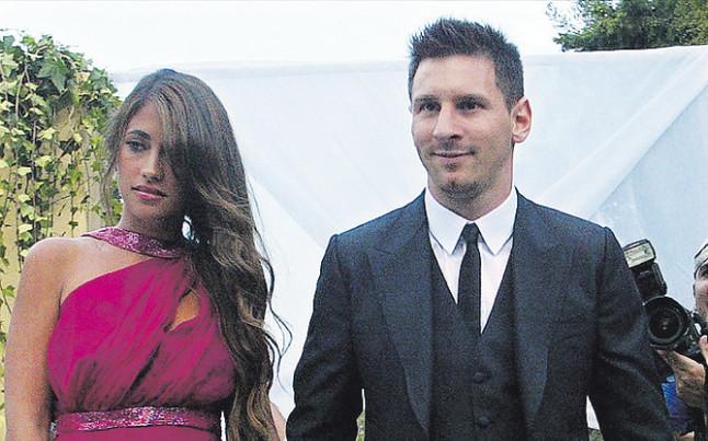 Matrimonio Messi : Messi acabó disfrazado de `hippie barca sport