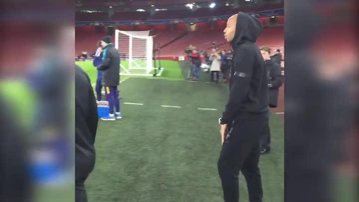 Thierry Henry presenci� el entrenamiento del FC Barcelona en el Emirates