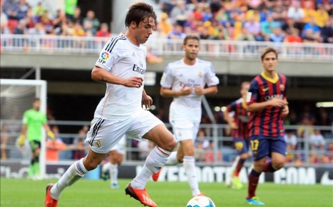 Kiko Femen�a fue jugador del FC Barcelona B y del Real Madrid Castilla