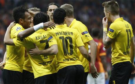Los jugadores del Borussia celebrando uno de los goles