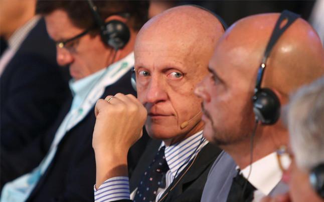 Collina cree que la tecnolog�a de la l�nea de gol debe ser utilizada en la Eurocopa de 2016