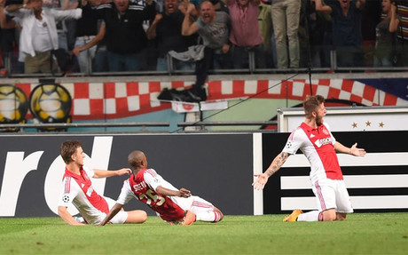 Sch�ne logr� un punto para el Ajax